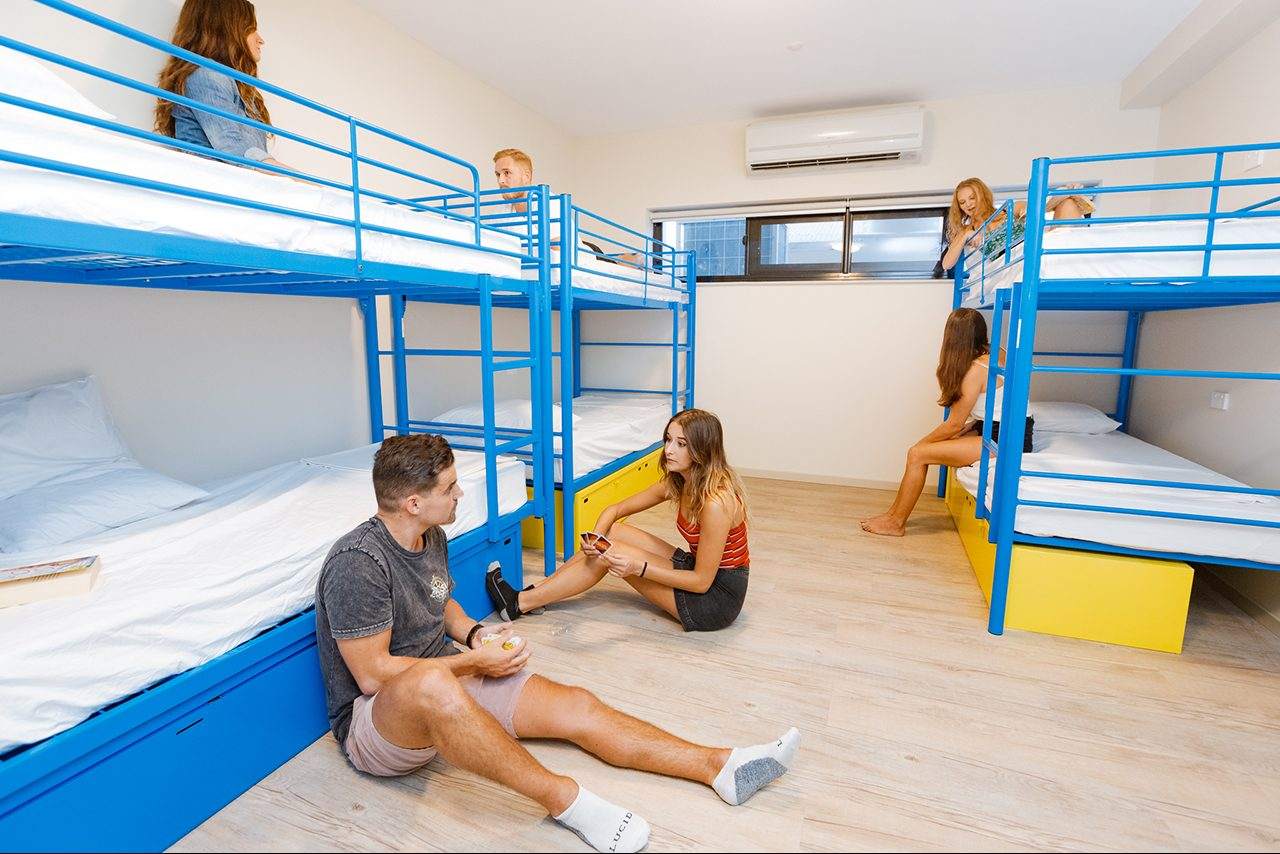 Global Backpackers Cairns -Bunk bed Room