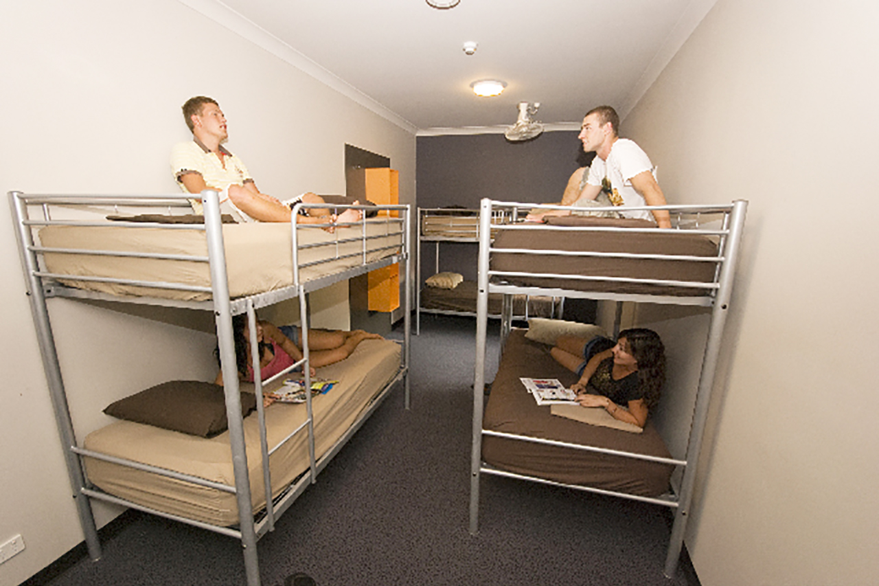 Global Backpackers Port Douglas -Bunkbed Room